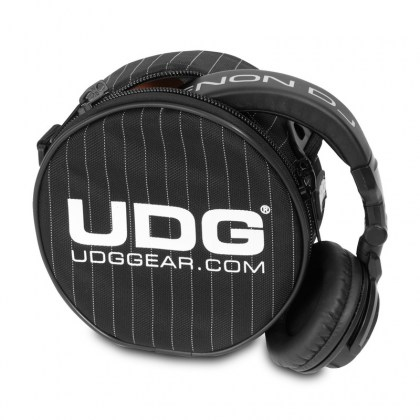 138.319_ULTIMATE_HEADPHONE_BAG_02_opt.jpg